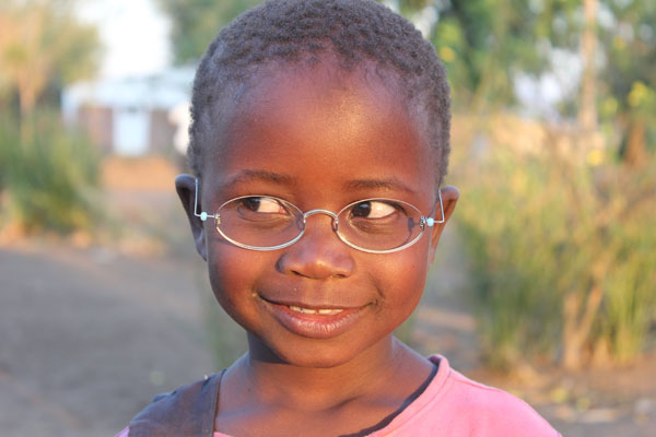 OneDollarGlasses - Boy in Malawi 2014 - (C) Martin Aufmuth